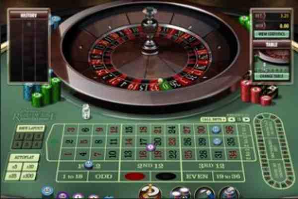 React casino games screen